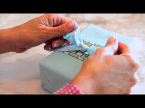 Cute Ways to Wrap Gift Cards for Christmas : Home Decor & Gifts
