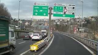 Como in Italien zur grenze in die Schweiz. LKW grenzübergang. Stau zum Zoll.