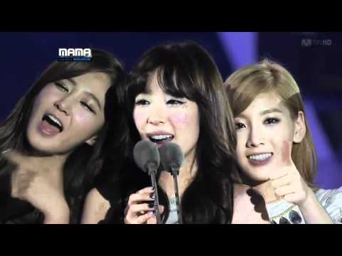 111129 SNSD - Artist of the Year @ 2011 MAMA