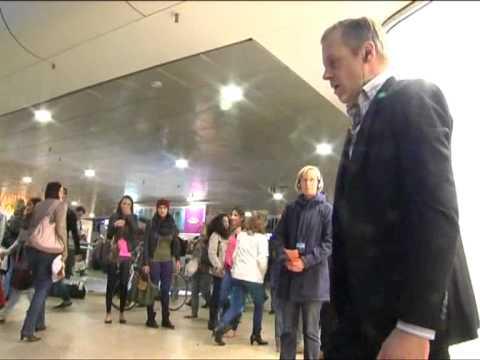 """Central Station"": Interaktives Theater im Hauptbahnhof Hannover"