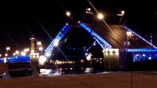 raising bridges in St. Petersburg   развод мостов в санкт петербурге