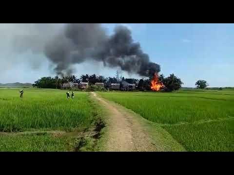 Myanmar military set fire to Rohingya homes in Sadullarsar, Maungdaw North just now.p5