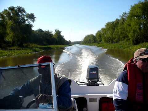 """Navegando el riacho """"el víbora"""" -Reconquista (Santa Fe)"""