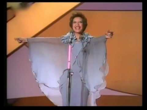 Eurovision 1976 - Netherlands - Sandra Reemer - The party is over now