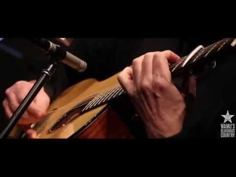 Beppe Gambetta - Acadian Dream [Live at WAMU's Bluegrass Country]
