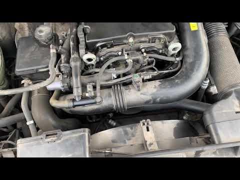 Mercedes Benz w212 M271 turbo стучит мотор на прогретом двигателе, в чем может быть проблема?