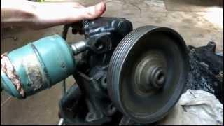 trois moteurs rotatifs à air comprimé