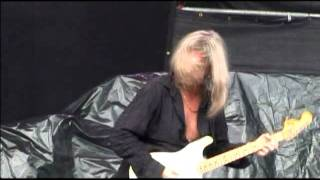 FOOL FOOL (LIVE 05)--AXEL RUDI PELL.mpg