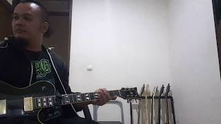Agung Hellfrog plays 'Redam' by Musikimia and is interrupted by his daughter :)