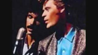 Watch Hall  Oates I Cant Go For That video