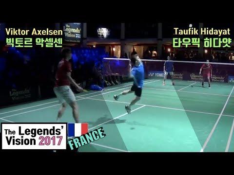 악셀센의 응원을 받아 타우픽에게 스매싱을 퍼붓는 프랑스 초등학생의 패기!