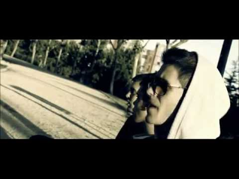 BELLOD - PUERTAS ABIERTAS [VIDEOCLIP] from YouTube · Duration:  2 minutes 32 seconds
