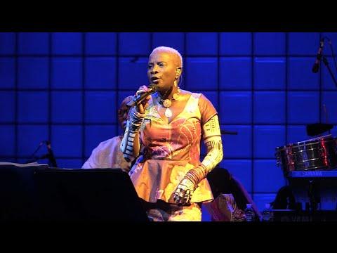 Angelique Kidjo, Usted Abuso, Prospect Park, Brooklyn, NY 7-29-16