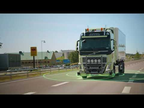 Autonomous truck for hub-to-hub transportations