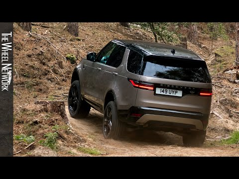 2021 Land Rover Discovery Off-Road Driving