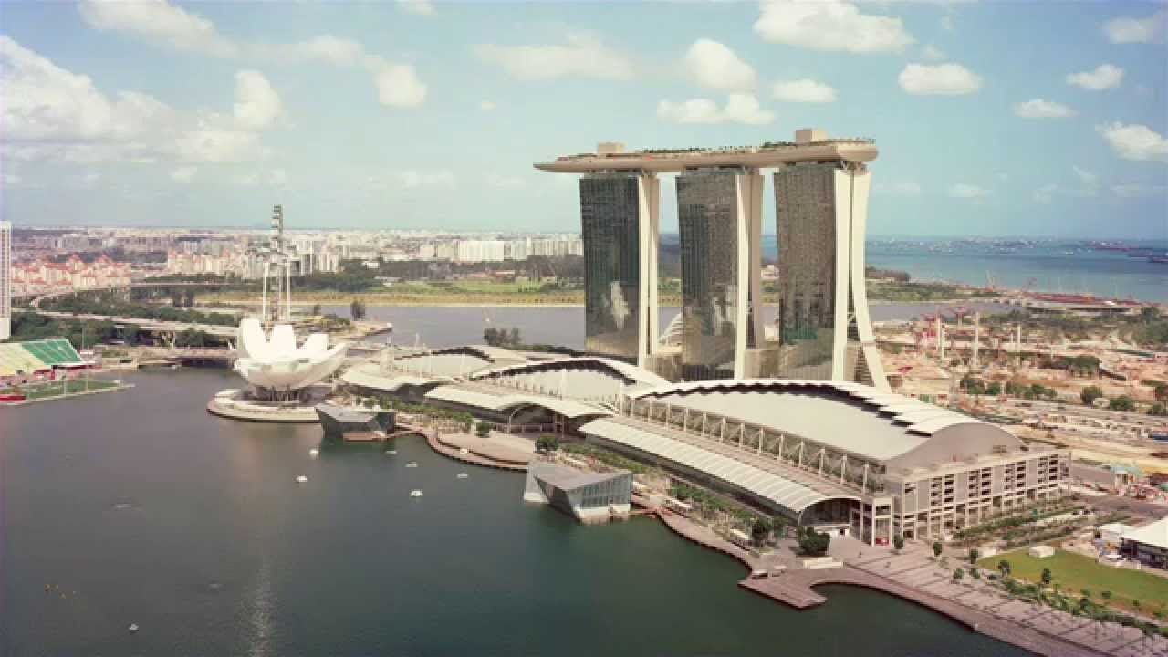 Moshe safdie interview with dezeen about the marina bay for Marina bay sands architecture concept