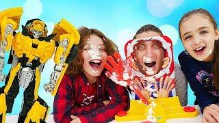Видео приколы – Челлендж Пирог в Лицо! – Смешные игры для детей.