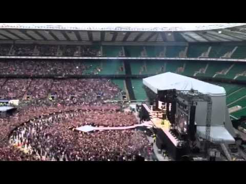 Rihanna twickenham live 2013