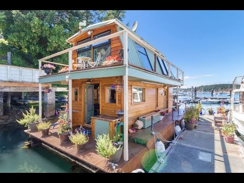 Friday Harbor Floating Home   Otter Magic