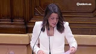 Inés Arrimadas lee ante el parlament los tuits de Quim Torra