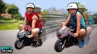 WORLD'S SMALLEST MOTORCYCLE VS STEPHEN SHARER, MARLIN, Lizzy Sharer RACE