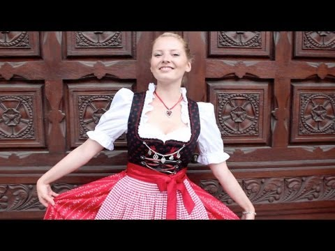 Dirndl-Girls Wiese Stallиз YouTube · Длительность: 5 мин56 с