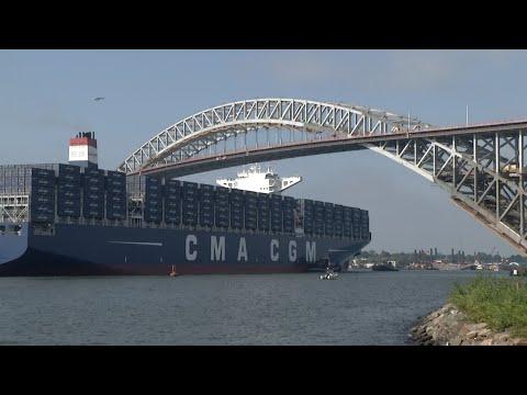Boat makes milestone pass under Bayonne Bridge