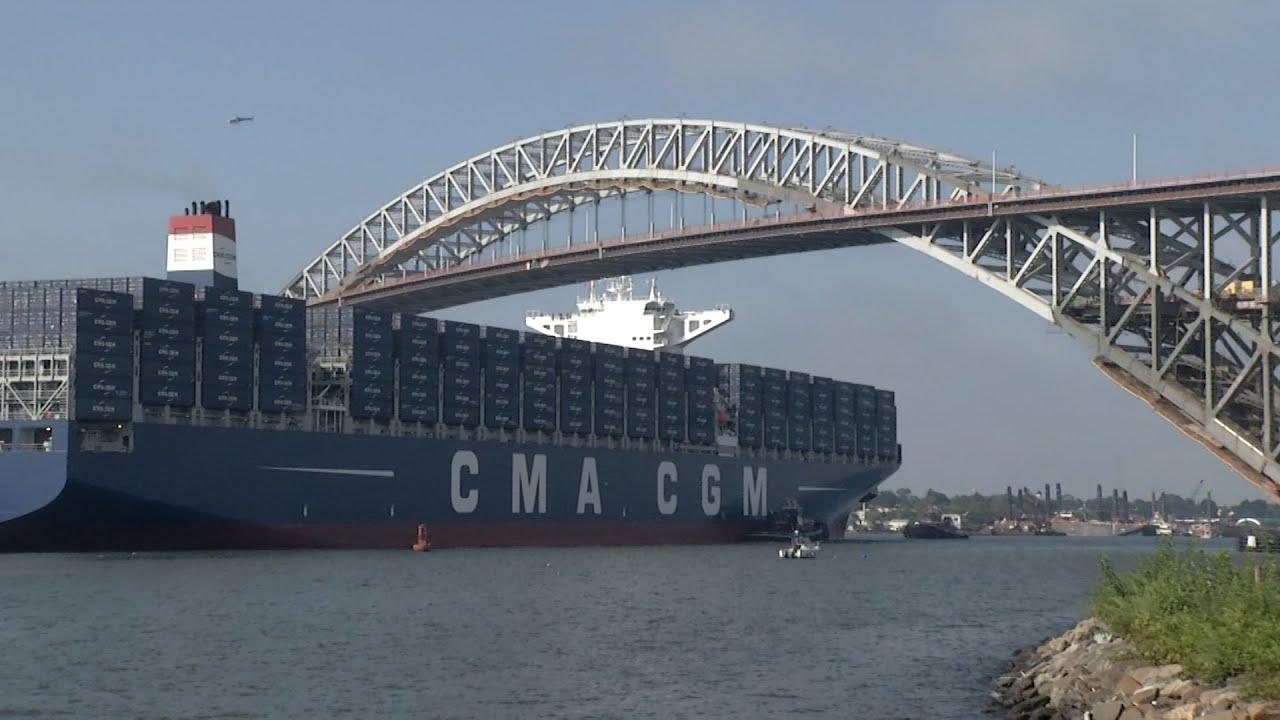 Ny Port Authority >> Boat makes milestone pass under Bayonne Bridge - YouTube