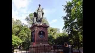 Копия видео Прогулка по родному городу(http://vashkofemem.ru Прогулка по родному городу в воскресный летний день всегда насыщена интересными событиями...., 2013-08-19T13:54:33.000Z)