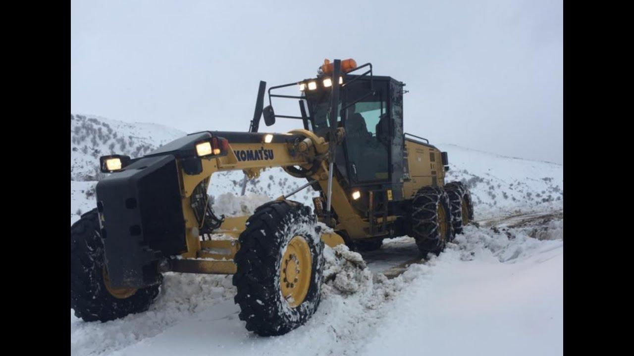 Kahta'da kar yağışı nedeniyle 32 köy yolu ulaşıma kapandı