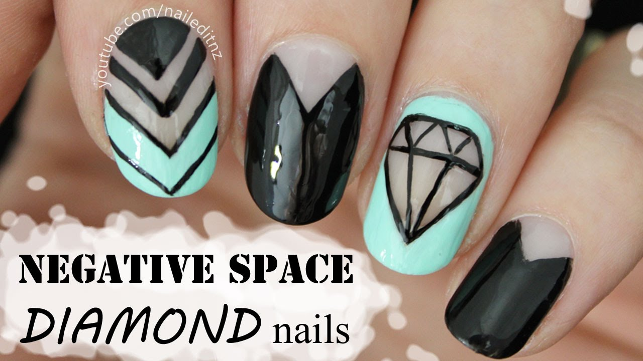 Diamond Negative E Nail Art