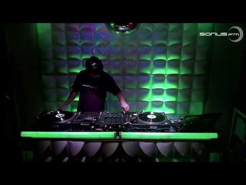 tapedeck radio roundqube musik showcase