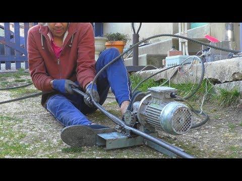 Machine à dénuder les câbles en cuivre - faite maison    Homemade wire stripping machine