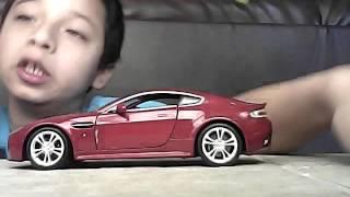 видео Welly 24046 Велли Модель машины 1:24 Aston Martin Vanquish