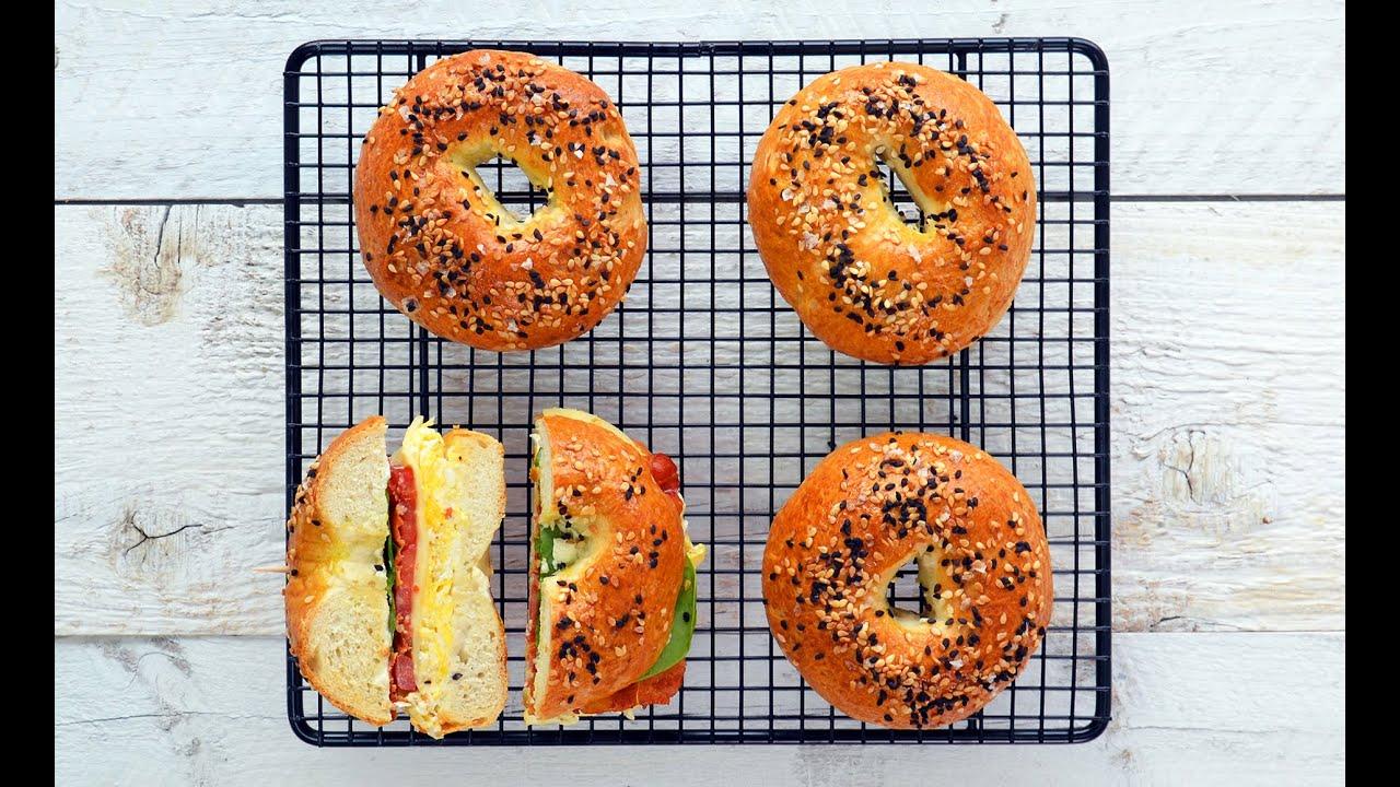 Bagels in stil New York - Chifle tip Bagels pentru mic dejun perfect - Reteta | Cuptorul lui Robert