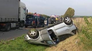 Heftiger A19-Unfall: Lkw rast in Stauende - ein Toter, 19 Verletzte