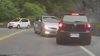 Driving in Asia - Car Accidents Compilation 2014 (4)