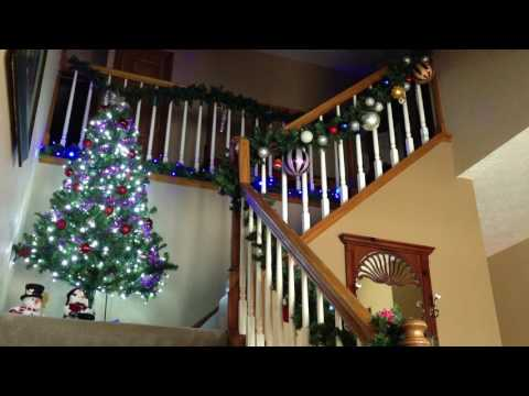 Christmas lights sync up to Christmas Vacation theme song