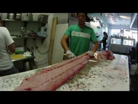 How To Fillet A Big Fish ( 50 lb Bull Mahi Mahi ) !!