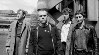 Gang of Four paralysed
