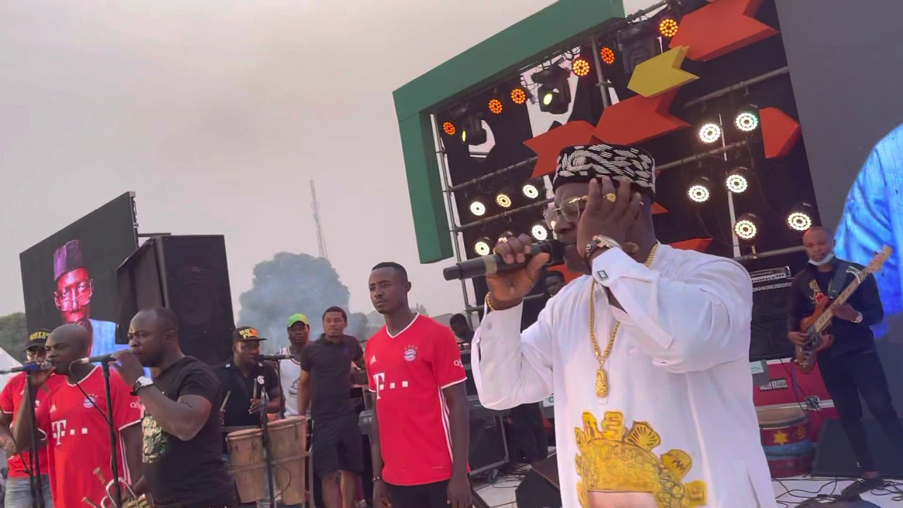 Download ONE ONE B LIVE AT OBI CUBANA'S FATHER IN LAW BURIAL AT OBOSI