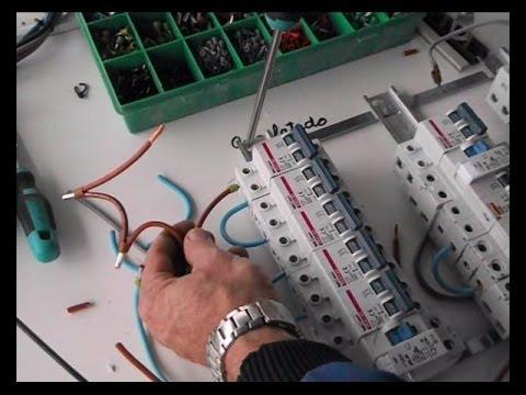 C mo cablear un cuadro el ctrico 3 6 youtube for Como montar un cuadro electrico