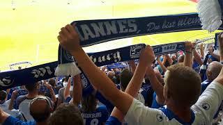 Erzgebirge Aue vs. 1. FC Magdeburg  Einmarsch der Spieler u. die BLAU-WEIßE HYMNE