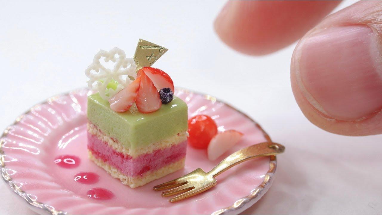 【樹脂粘土ミニチュアフード】色づかいが絶妙で激かわなピスタチオとカシスのムースのミニチュアスイーツをつくりました。miniatureDIY/miniaturefood/resinclay