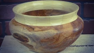 Woodturning an Ambrosia Maple with segmented ring bowl