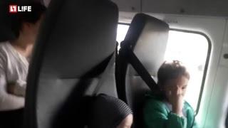Семье с 11 детьми подарили автобус