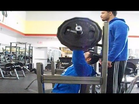 TMW: Gym Fail What Lifting Too Heavy Looks Like @hodgetwins