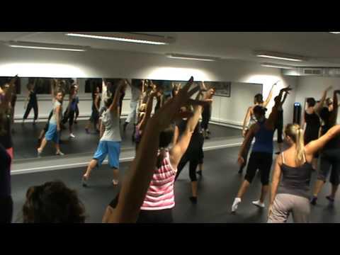 L'Atelier Centre De Danse, Biot.             AU COMMENCEMENT...