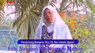 Hj Nur Asiah Djamil - Al Quran