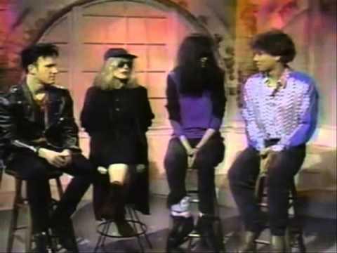 Interview Joey Ramone & Deborah Harry, MTV (1990)